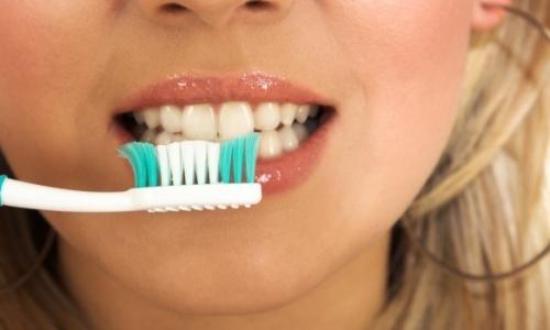 Нормално ли е да ми кървят венците?
